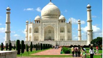 Agra Tour with Akbar Tomb