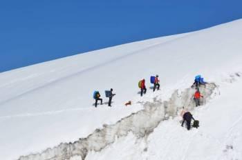 Pin Parvati Trek Tour