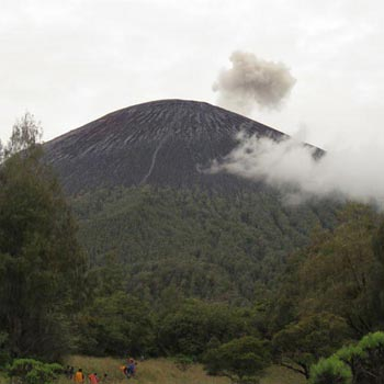 Mount Semeru Trekking Package