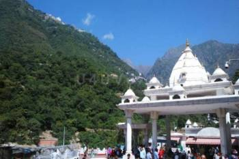 Jammu Local with Mata Vaishnodevi – 2 Night 3 Days