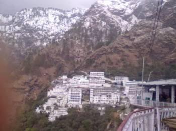 Jammu Local with Mata Vaishnodevi & Patnitop – 3 Night 4 Days