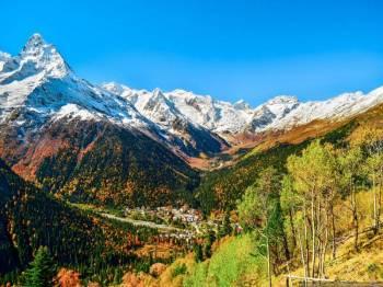 Snow Clad Peaks & Monasteries Packages