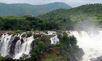 Enchanting Karnataka with Classic Kerala Tour