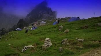 Srinagar - Gulmarg - Pahalgam - Katra - Vaishnodevi Tour Package