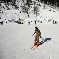 Skiing in Manali Package Tour