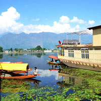 Srinagar Houseboat Package